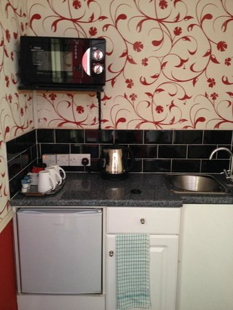 Hadleigh Hotel: Mini kitchen