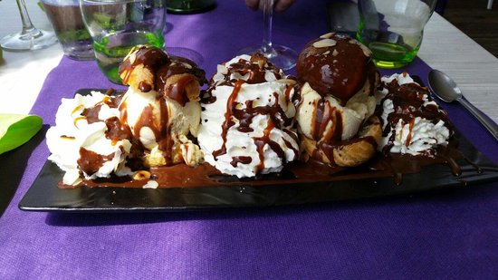 Le Restaurant Du Port : Les profiteroles...un délice!