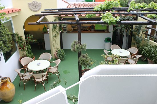 Hotel Villa Janto: Aufenthaltsraum außen
