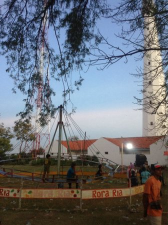 Sembilangan Lighthouse: Locals use the field around the lighthouse to create a 'sudden themepark'
