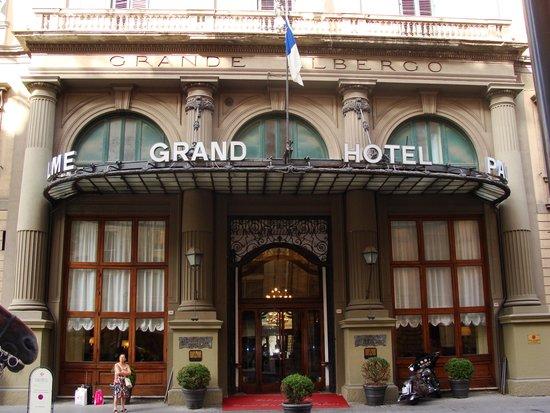 Grand Hotel et Des Palmes : Hotel Entrance