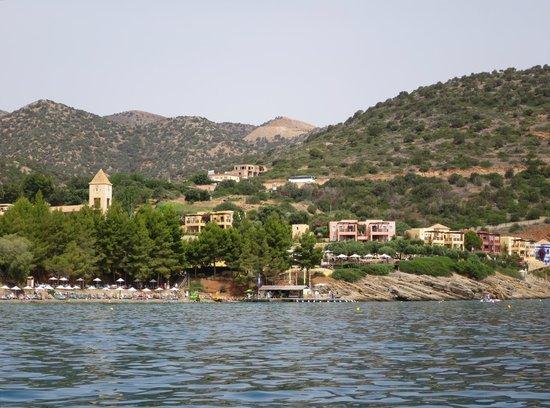 Candia Park Village : Le village depuis la mer (en pédalo)