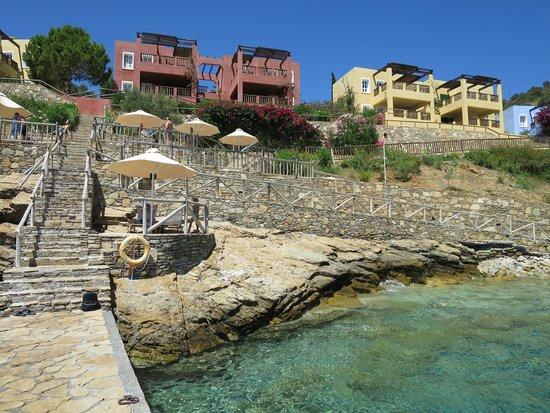Candia Park Village : Un accès à la mer, l'autre est avec du sable