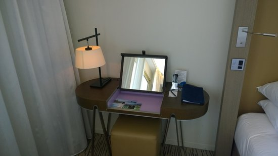 Radisson Blu 1835 Hotel & Thalasso: Bureau