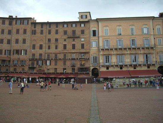Piazza del Campo: 広場