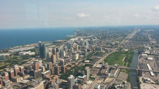 Skydeck Chicago - Willis Tower : Skyline Chicago aus dem 103. Stockwerk des skydeck