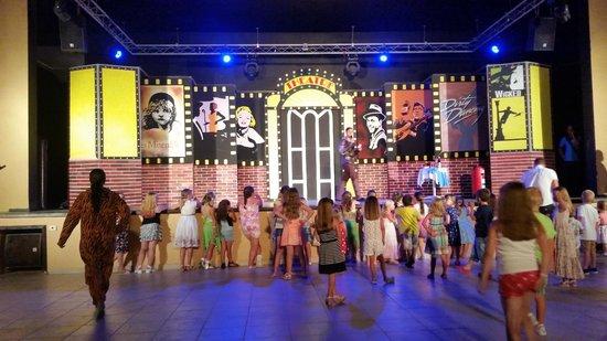 Skanes Family Resort: kids kennel club