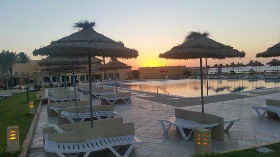 Skanes Family Resort: quiet pool at dusk