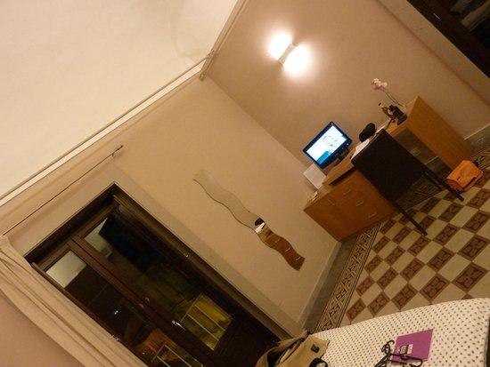 Hotel Vittorio Veneto: Spacious rooms and wonderful service