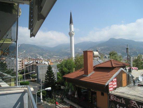 Temiz Hotel : Balkonblick nach links
