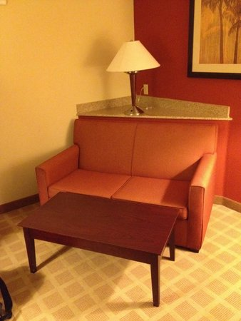 Comfort Suites Vero Beach: Lounge area room 409