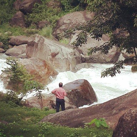 Resort Murti: River Murti