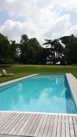 Château de Degrés : pool area