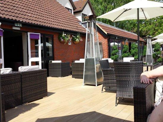 The Winchester Hotel & spa: Sunny terrace