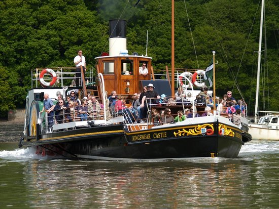 Paddle Steamer Kingswear Castle: Commentary during River Dart cruise