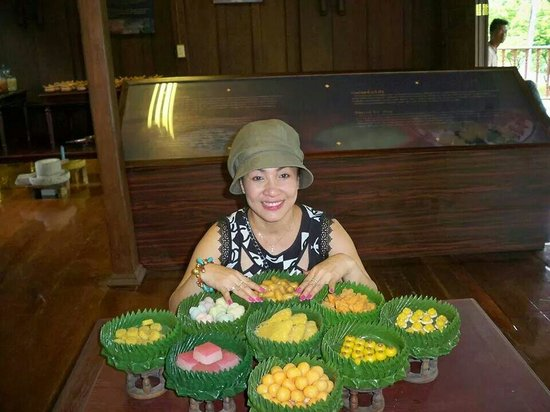 King Rama II Memorial Park: ขนมไทยๆจำลอง ที่บ้านขนมไทย