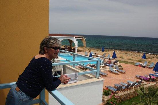 Pyrgos Beach Hotel: vue de la chambre