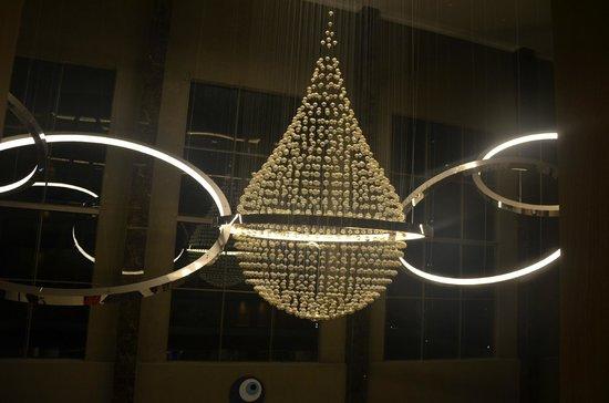 Regnum Carya Golf & Spa Resort: Lobby lightning