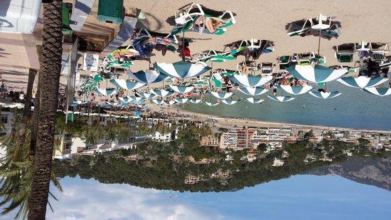 Restaurant Es Canyis: vistas a la playa den Repic