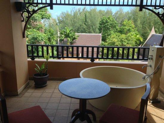 Amari Vogue Krabi: Jacuzzi tub on our room balcony
