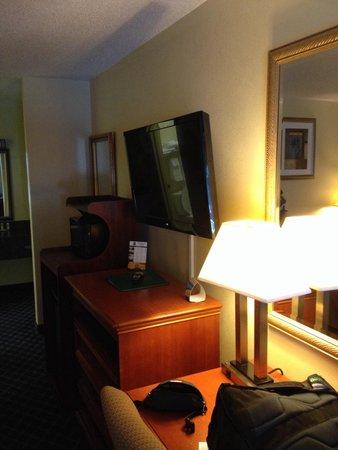 Quality Inn Midtown: Desk