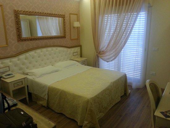 Hotel Mazzanti : CAMERA DA LETTO 1