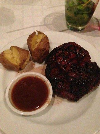Amari Vogue Krabi: Steak buffet night