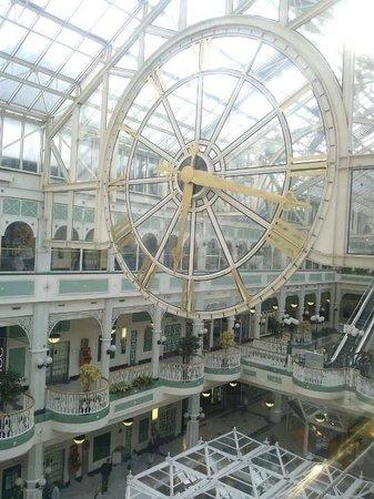 St. Stephen's Green Shopping Centre: Horloge