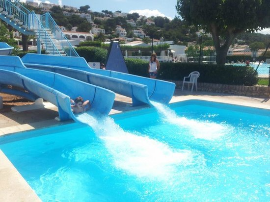 Apartamentos Son Bou Gardens: One of the 3 pools