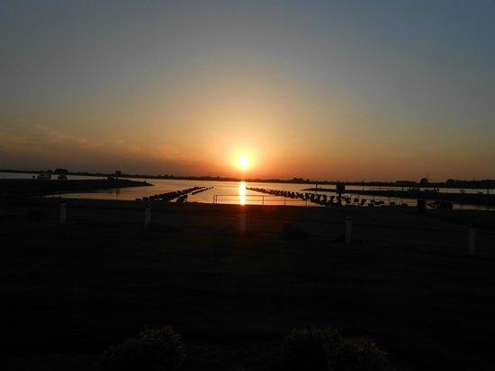 Hotel Oosterschelde : Zonsondergang vanop ons terrasje