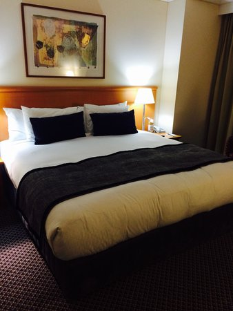 Rydges World Square Sydney Hotel : Bed