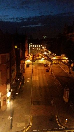 Travelodge London Central Marylebone: View from my room to see Marylebone station.