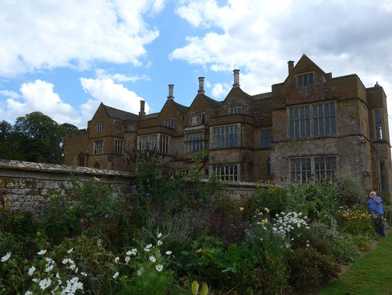 Broughton Castle: Castle from the gardens