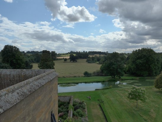 Broughton Castle: View from roof