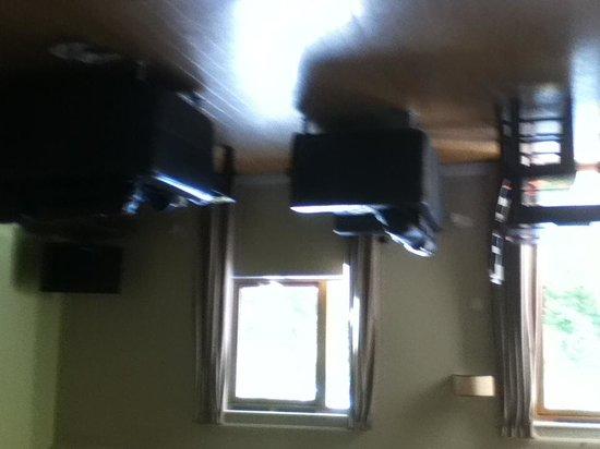 Bluestone National Park Resort : living room