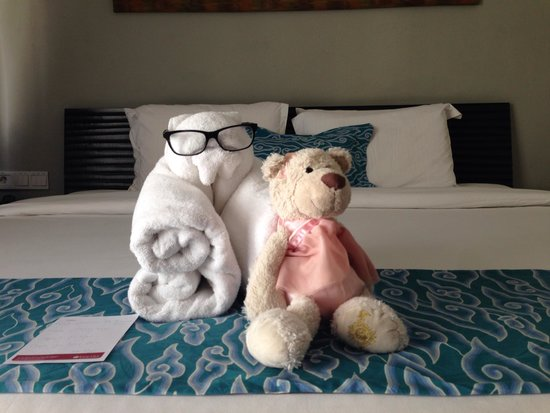The Camakila Legian Bali: Towel teddy n teddy friend