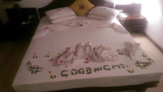 Amaya Lake: bed decoration