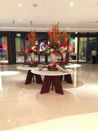 JA Ocean View Hotel: entrata