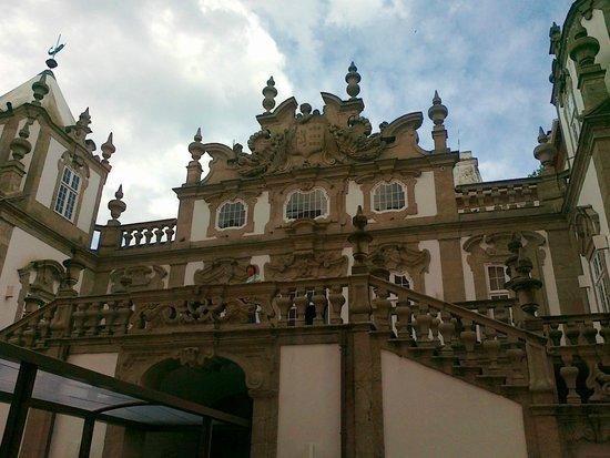 Pestana Palácio do Freixo : Een prachtige gevel binnen het hotel.