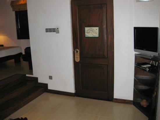 Amaya Lake : front door