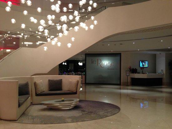 JA Ocean View Hotel: ingresso