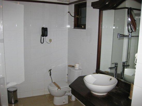 Amaya Lake : bathroom