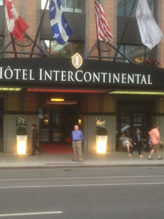 InterContinental Montreal : hotel front entrance