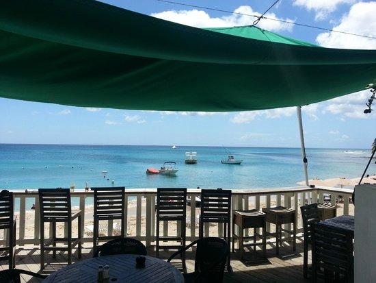 Mullins Beach Bar: View to the Caribbean Sea