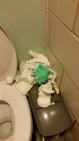 British Museum : Toilets were pitiful.