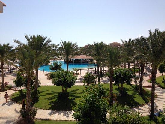 Jaz Almaza Beach Resort: Villaggio