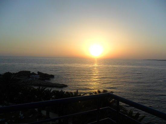Queen's Bay Hotel: tramonto dalla camera