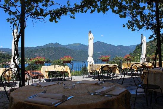 Terrazza del ristorante Bocciolo di Orta San Giulio - Picture of ...
