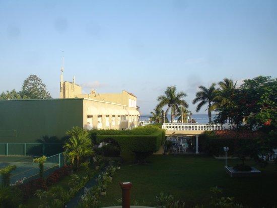 Villablanca Garden Beach Hotel : View from room - ocean