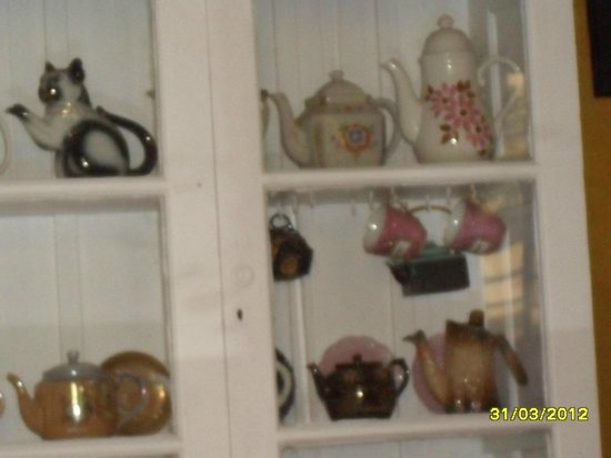 Teapot Cafe : Teapots All